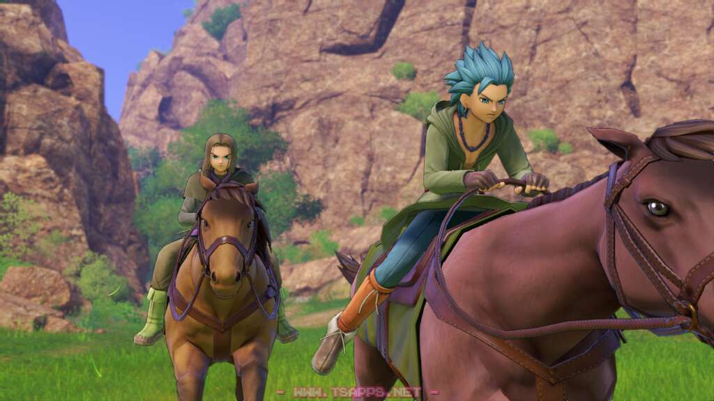 近くにいた馬に乗って逃げる