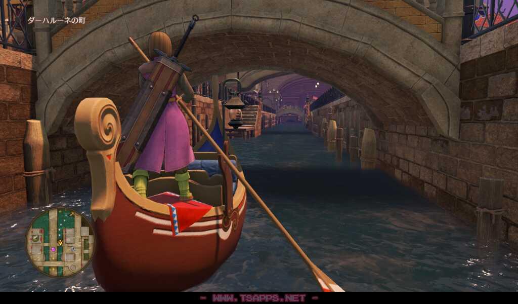 ゴンドラに乗って水路を移動できます